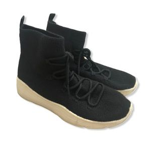 Universal Thread Black Knit Laced High Tops—9.5